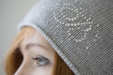 Mondana шапки оптом в Италии
