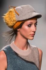 шапки оптом в Италии